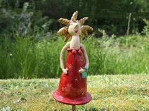 Gartenkeramik - Gartenaccessoires Prinzessin rot