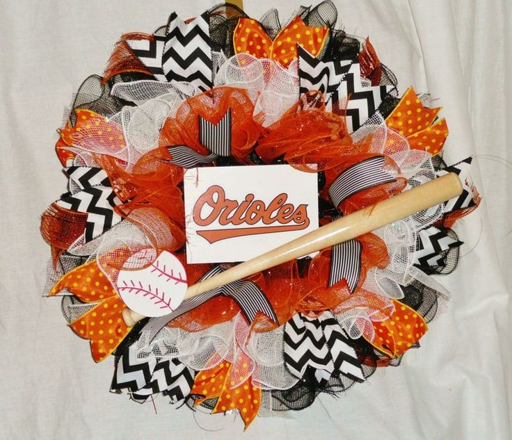 BALTIMORE ORIOLES Ruffled Deco Mesh Wreath - 20 inches - all teams available #DecoMesh