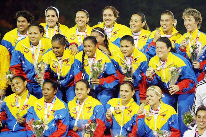 Venezuela debutó con victoria en Campeonato de Sóftbol Femenino #Deportes #Ultimas_Noticias
