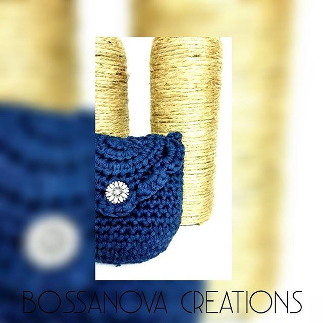 #bossanovacreations #coinpurse #ganchilloterapia #ganchillo #loveit #blue #darkblue #crochet #crocheting #crochetaddict #picoftheday #photooftheday #handmade #hechoamano #knittersofinstagram #knitting #knit #igers #igerscrochet #instagrammers #fashion #yarnlove #yarn #cotton