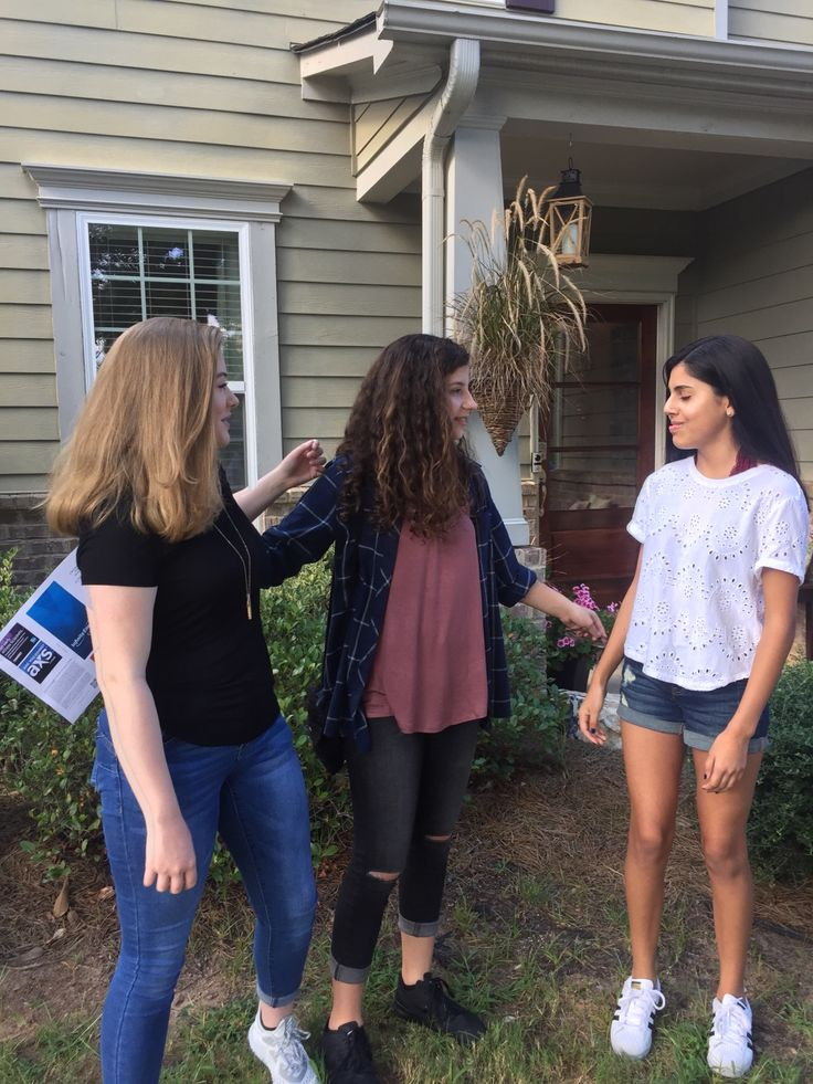 Candids with my girls:) My picture!💫 Instagram// s0fiaalexis 💓 YouTube// Sofia Alexis 🦋