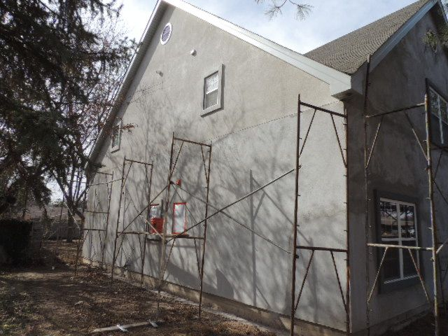 Stucco now 70% complete.