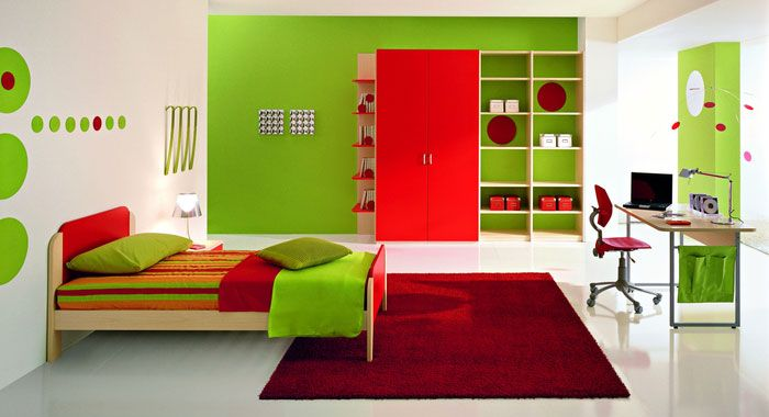 It is very great to give your kids a room with very fresh green color of the wall. This fresh color is suitable for boys and girls. If you have two children, making a single room with the fresh green wall for them is okay.
