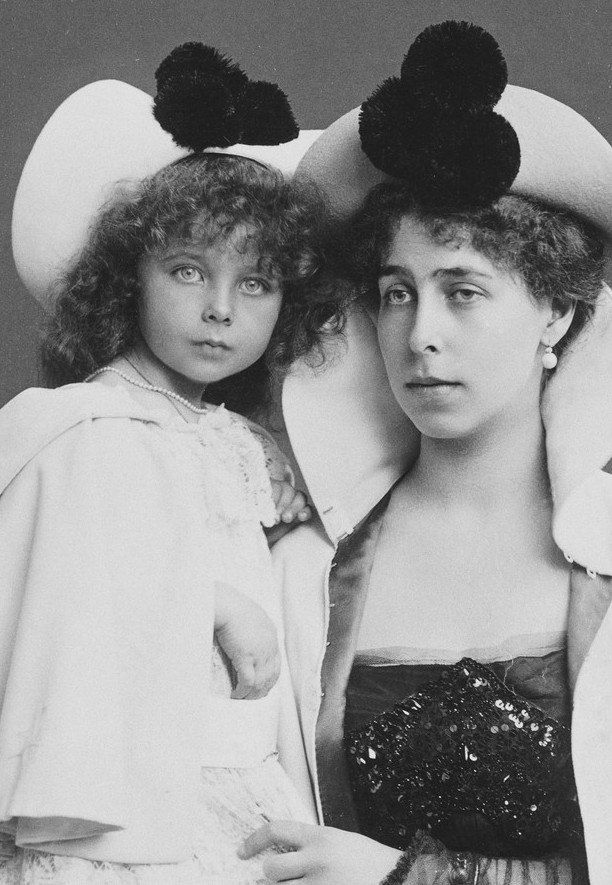 Princess Elisabeth of Hesse and her mother Princess Victoria Melita, Grand Duchess of Hesse in 1898.
