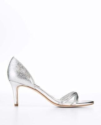 Kitten heels Bridal hair and Jewelry on Pinterest