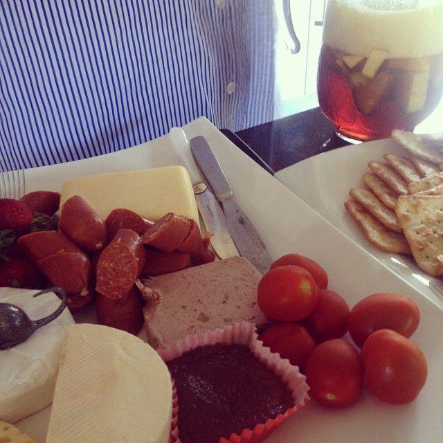 cheese-platter.jpg 640×640 pixels
