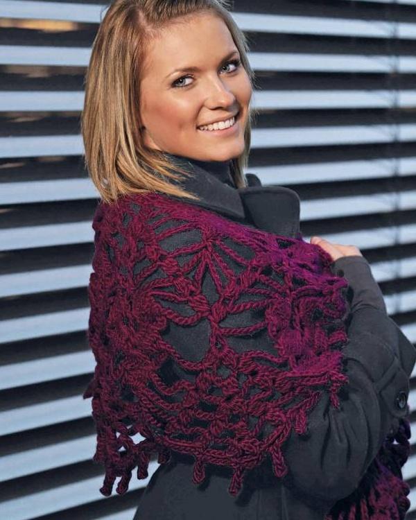 Virkad sjal #vikingofnorway #knittingroom #stickat #garn #sjal #virkad