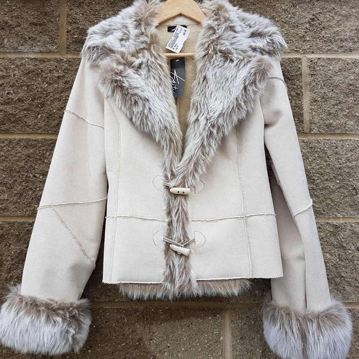 Slay the day, the month & even the year in this fab, #fauxfur Kaity jacket. #bossbabe #slay #styleinspo #gentlyused #PlatosClosetCambridge // #Kaity jacket, Size M, $35 // | www.platosclosetcambridge.com