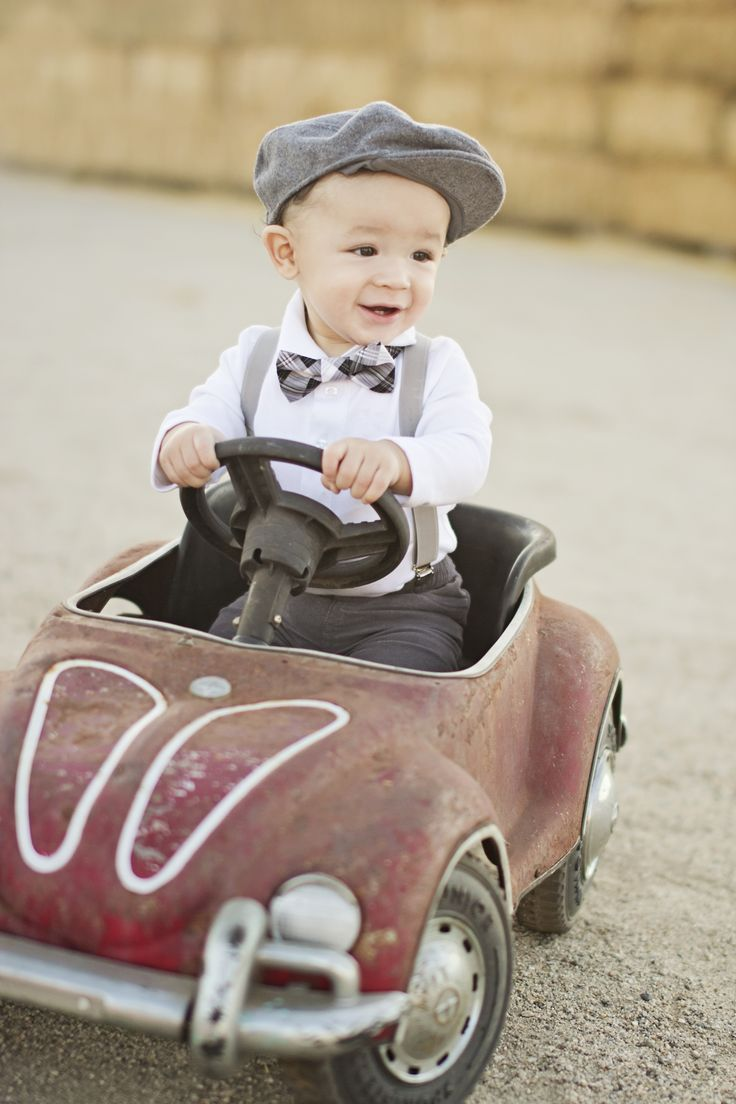 Follow me on IG: @mybabydom  Vintage Baby picture. Outdoors 9 months old. Old car photo http://www.tearbearpix.com