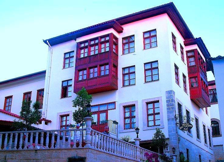 Küçük ve rahat bir hotel olan  #ReutlingenHofHotel, tarihi #AntalyaKaleiçi'nde yatlimanı ve şehir merkezine çok yakında yer alır.   #ReutlingenHofHotel is small and cozy hotel which is located in the historic area of   #AntalyaKaleiçi , close to the yachting marina and the center of the city.  #AntalyaKaleiçi #ReutlingenHofHotel #Antalya #historic #chill #marina #holiday #hotel #citycenter  http://www.reutlingenhof.com/
