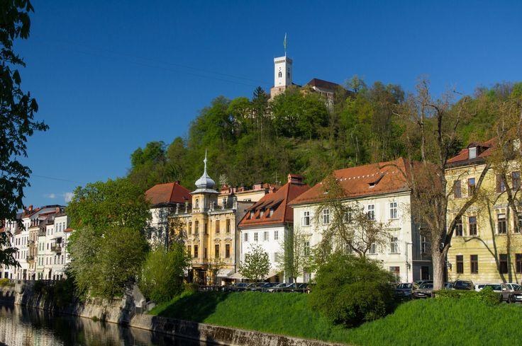 Ljubljana #Schloss #Laibach #Slovenien Miete Wohnungen von leuten in Laibach. #Wohnung #studio #zimmer #hotel  Wohnungen mit #wifi, #parkplatz zur #mieten. Finde einzigartige Unterkunfte bein lokalen #Gastgebern. Mieteen ein zimmer oder bed and breakfast Schwule Schwulenfreundlich. Wohnung zur miete. #Immobilien zur #miete.