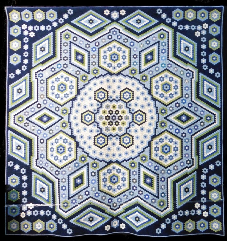 """Sue Garman: March 2016.  Grit Kovacs (Gerdau, Niedersachsen, Germany) made Hexagon quilt """"La Passion"""" and had it quilted by Birgit Schuller."""
