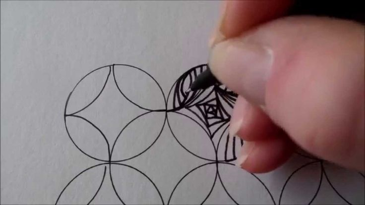 How to draw tanglepattern Paradox in circles