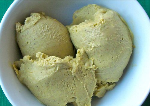 Pistachio gelato (vegan, dairy free, paleo, cane sugar free) This would be so easy in the Thermomix