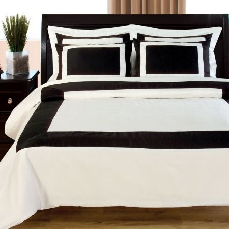Space Living Hotel 300 Thread Count Duvet Set - Black & White Duvet Covers_ Linens N Things