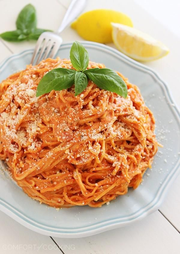3-Ingredient Creamy Tomato Angel Hair Pasta – This creamy, saucy and scrumptious pasta only needs 15 minutes and 3 ingredients to make!  thecomfortofcooking.com