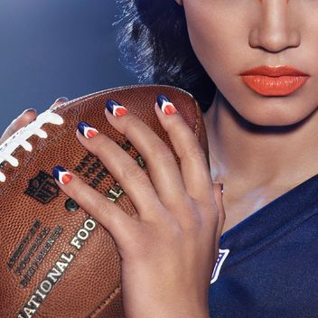 Football Fans (and Football Wives): Here's Your Makeup and Nail Plan for the Next Big Game