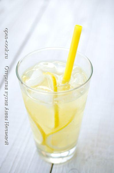 """""""Выжми максимум из лимонов!"""" – вот девиз этого рецепта. Я решила сделать лимонад не только из сока, но и из лимонной цедры. А чего ей пропадать-то? Этот рецепт стал нашим фаворитом,"""