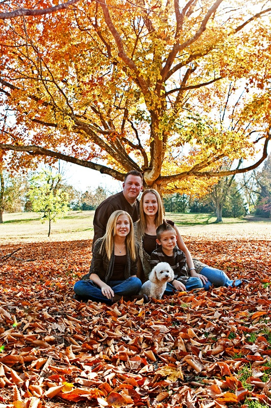 17 best images about family photo ideas on pinterest for Fall family picture ideas outside