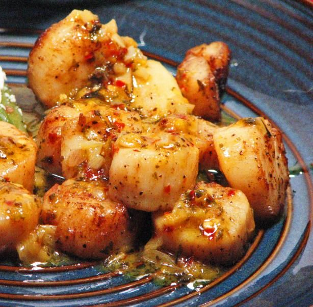 Orange Glazed Scallops from Food.com:   One of my new inventions this dish is awesome! I invented on New Years Day that I was spending at Lake Norman, NC. with my boyfriend then I wanted to surprise him and make something different for dinner so I came up with the idea of making scallops. This orange glaze pairs up so well with scallops. So easy to make yet delicious. You must try!!!: Orange Scallops, Food Com, Scallops Food, Seafood Recipes, Scallops Orange Juice, Glaze Pairings, Scallop Recipes, Scallops Recipes, Orange Glaze Scallops