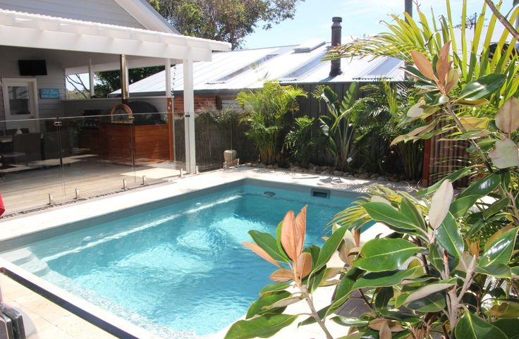 Our small swimming pools are designed for smaller areas and townhouse situations. Perfect for transforming any area into an oasis, call 1300 667 445 today.