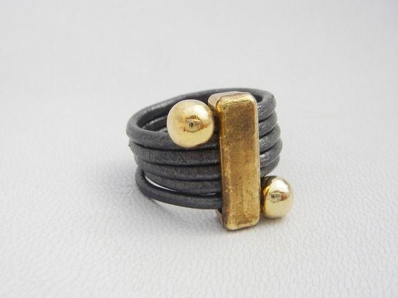 bague en cuir rond 2mm avec apprêts en zamac