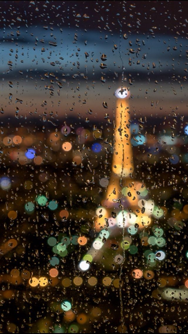 RAINY IN PARIS