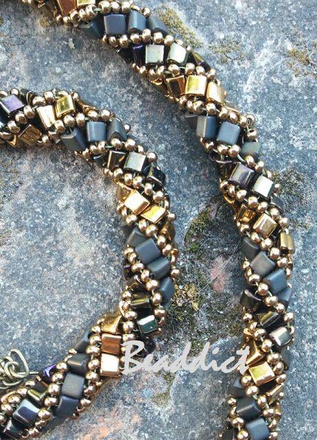 Bronze spiral neklace. Pattern by Beaddict.