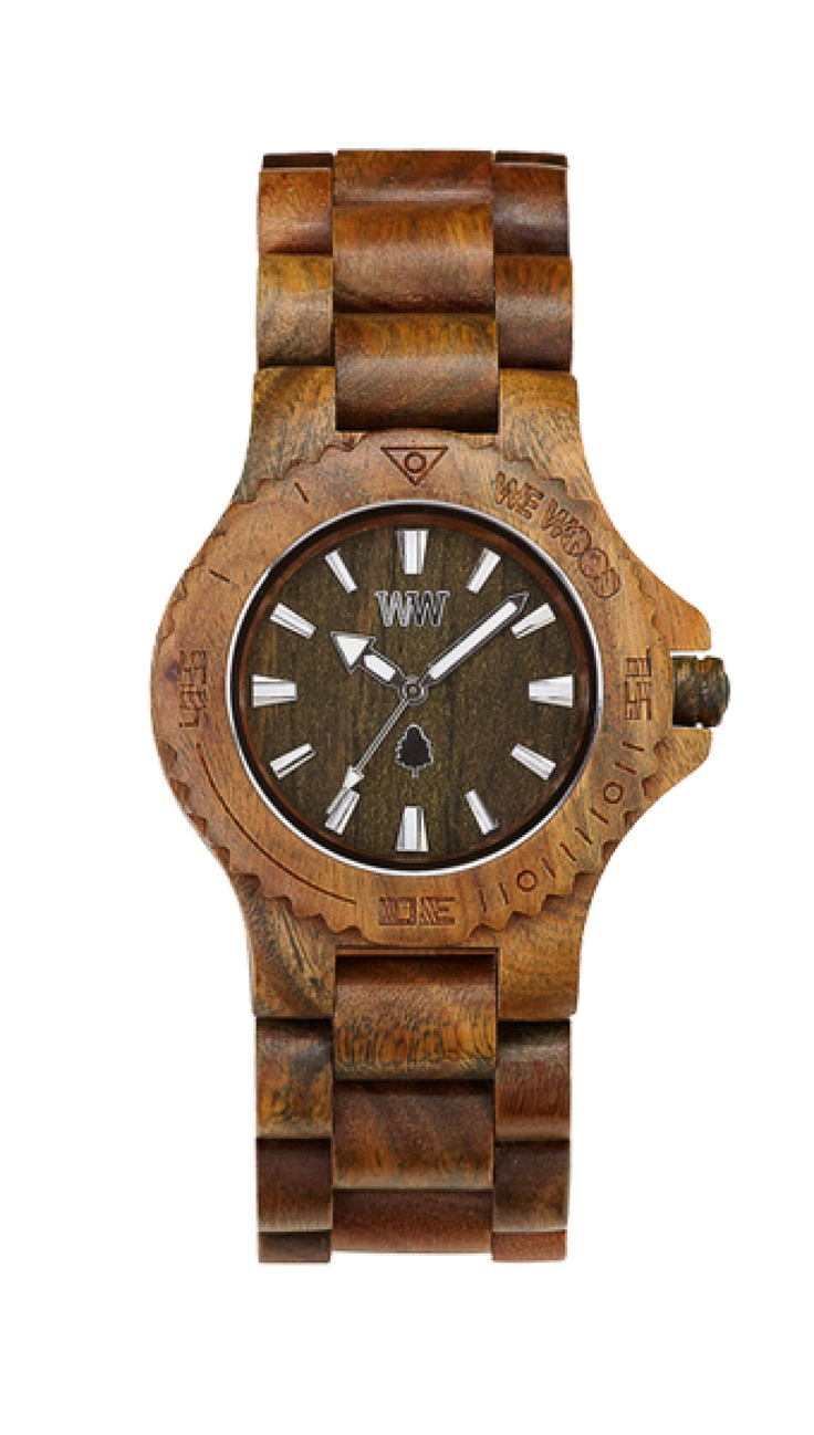 Nejen vojáci ocení tento armádně laděný model řady DATE z guaiaco dřeva. Budete-li chtít splynout s prostředím, tyto hodinky vás rozhodně neprozradí. Kromě toho vám poradí, kdy je vhodný čas na to, abyste z úkrytu opět vyšli.
