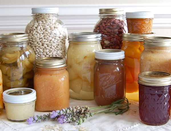 Pantry items    Love this website!  Such great information on gardening, cooking from the garden, frugal living, etc....