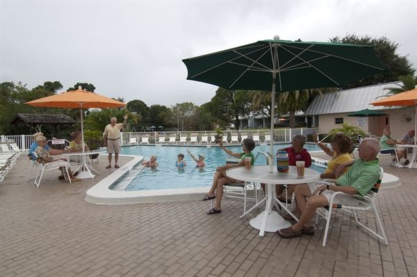 Dunedin Carefree Rv Resort Amp Blue Moon Inn In Florida