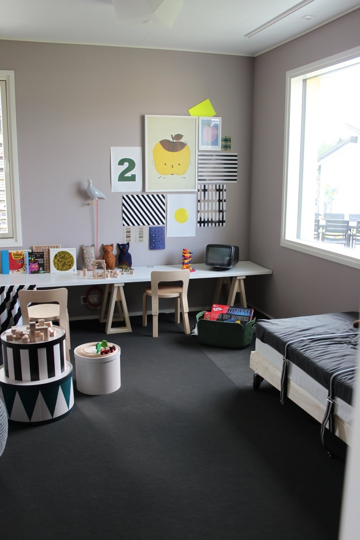 Great idea for a kids room or even do without the bed and it would be a good play room with a toy chest in place of bed.
