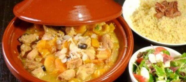 Een zoetige Marokkaanse tajine. Heeft even tijd nodig om te stoven, maar is verder heel simpel en natuurlijk erg lekker :-)
