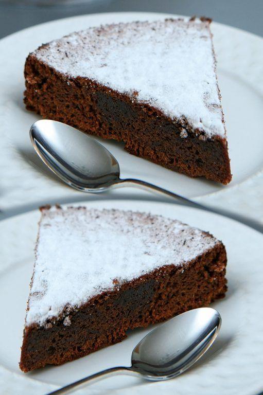 Γαλλικο μαλακο κεικ σοκολατας με πτι μπερ