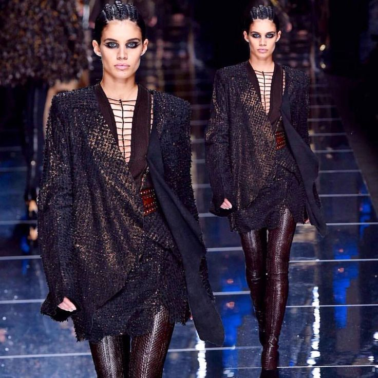 """71.6b Beğenme, 158 Yorum - Instagram'da Sara Sampaio (@sarasampaio): """"Thank you @olivier_rousteing for having me in your always powerful, beautiful and awesome show! ❤…"""""""