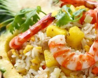 Riz thaï poulet-crevettes-ananas aux petits pois
