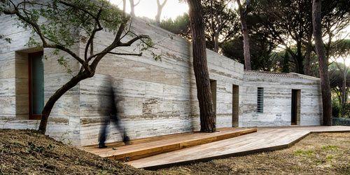 Italian Summer House Covered in Travertine by sundaymorning and Massimo Fiorido Associati Photo