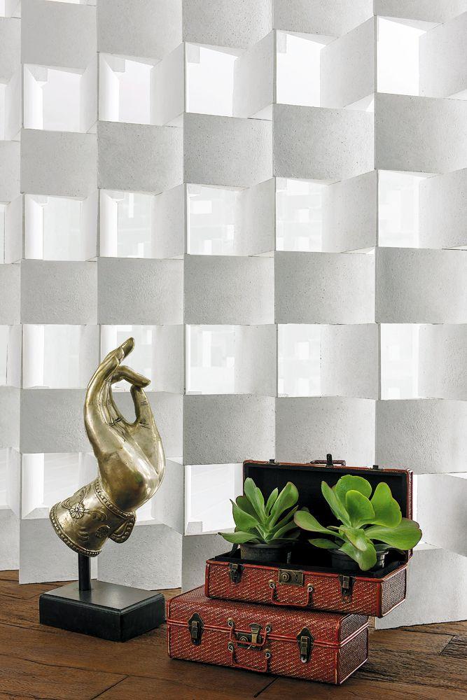 A linha Illusie foi criada para delimitar e surpreender. Resultante dos estudos e pesquisas no segmento do concreto chama a atenção através de efeitos tridimensionais e nova forma a fim de quebrar a rigidez do concreto. Leveza e funcionalidade são aspectos marcantes desta linha. Confiram o charme desta parede do projeto da designer Kátia Gonzalez.