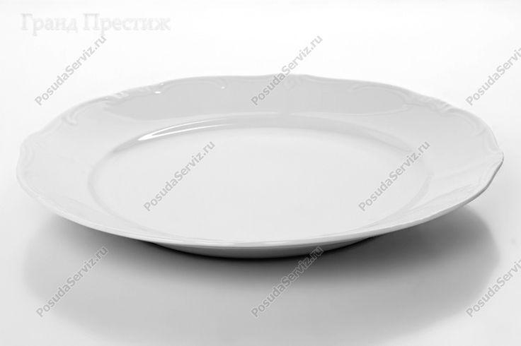 Набор фарфовых тарелок 26 см Артикул: 16121 Производитель: Веймар (Weimar Porzellan) Декор: Недекорированный 0000 Форма: Катарина Страна: Германия Материал: немецкий фарфор http://www.posudaserviz.ru/id19967bi.php