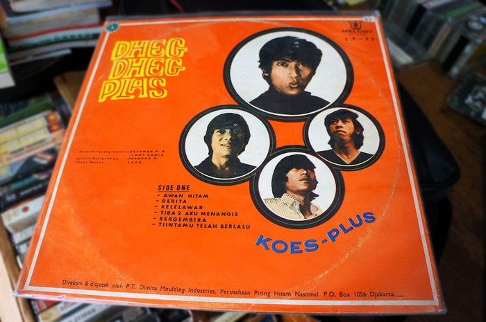 One of DU68 precious collection - legendary Indonesian band, Koes Ploes. Photo by Icha Rahmanti.