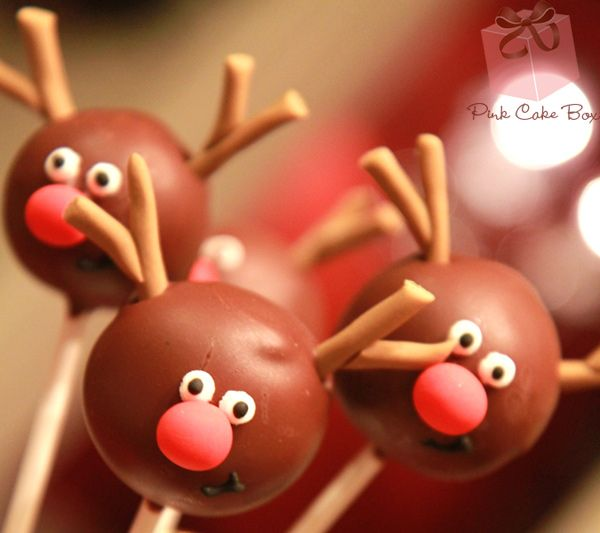 Christmas Cake Pops by Pink Cake Box
