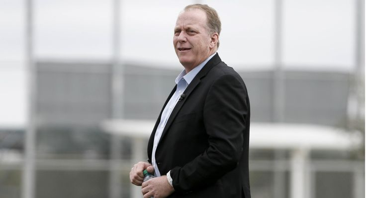 #Media #Oligarchs #MegaBanks vs #Union #Occupy #BLM   Curt Schilling planning Senate run against Elizabeth Warren  http://www.politico.com/story/2016/10/curt-schilling-senate-run-2018-229927   Former Boston Red Sox pitcher Curt Schilling said on Tuesday that he's planning to run against Sen. Elizabeth Warren in Massachusetts' 2018 Senate race.  The conservative former baseball player, beloved in New England for pitching through a bloody ankle injury in the 2004 playoffs, said that while he…