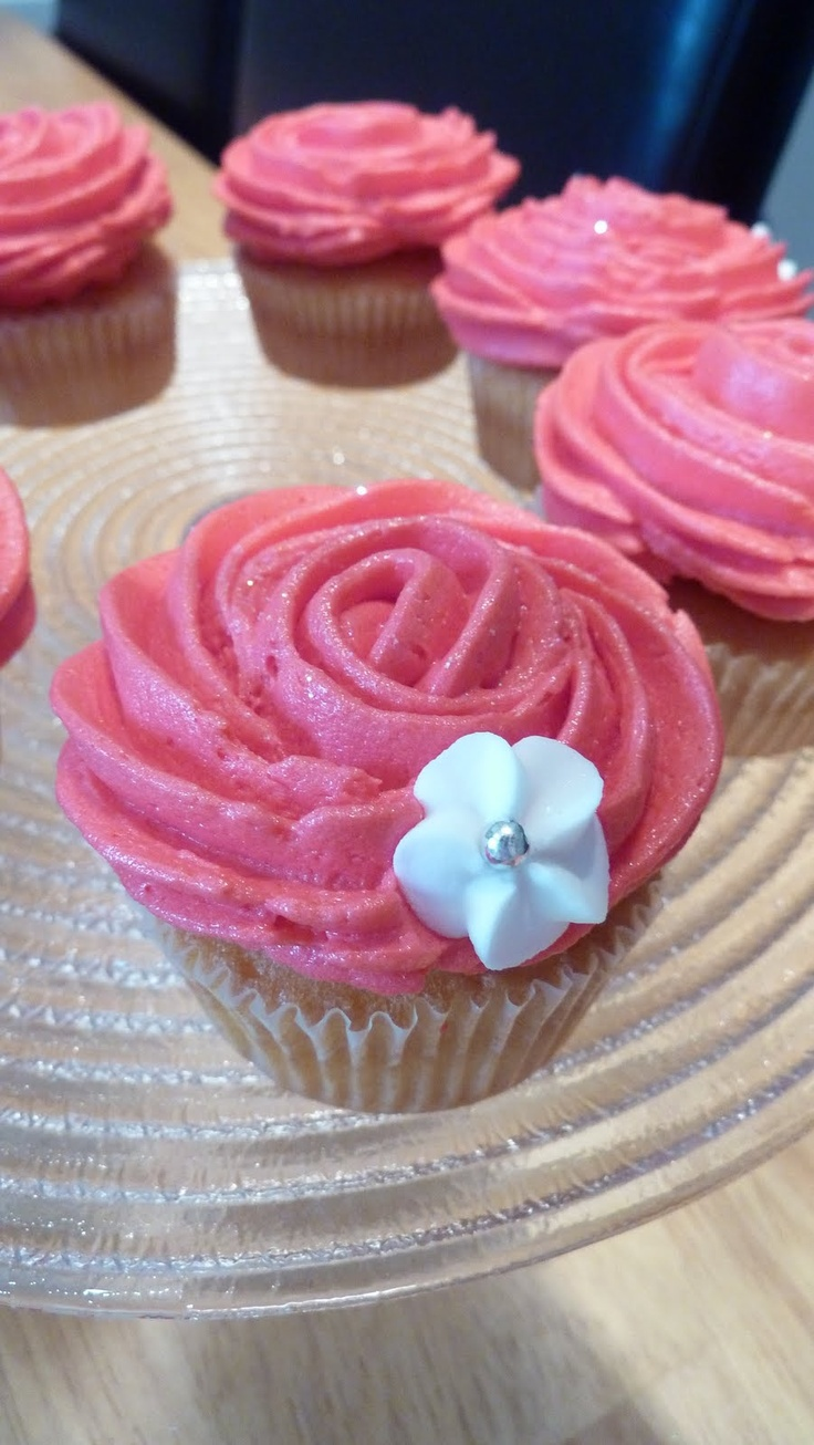 how to make rose swirl cupcakes