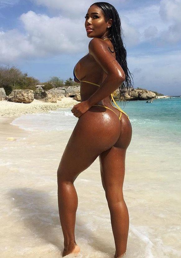 Pingl Par Herv 45 Sur Sexyblackgirl  Ebony Girls, Sexy -5777