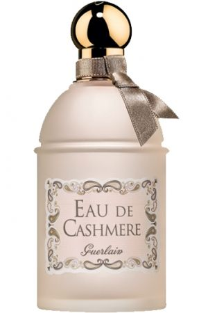 Eau de Cashmere by Guerlain is an aromatic, powdery Floral Woody Musk fragrance with bergamot, orange and pink pepper in the top. Lavender, iris and cedar in the middle. Vetiver, heliotrope and musk in the base. - Fragrantica