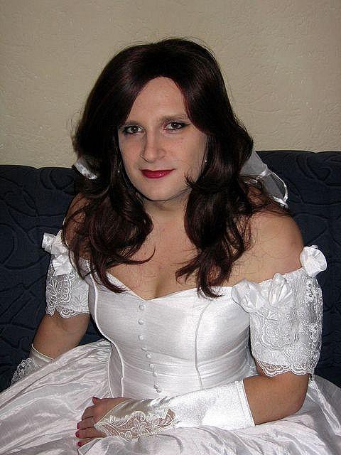 Here cum the brides 3 scene 3 michelle b isabel ice - 2 5