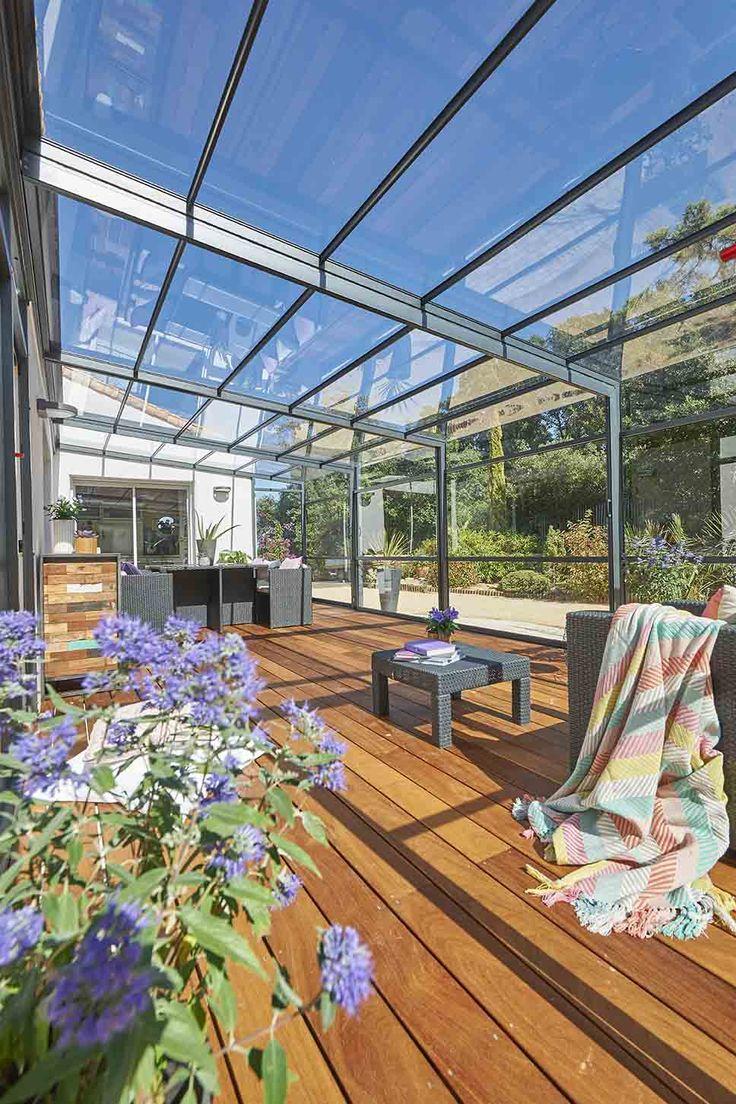 """Ambiance """"marin"""" pour cette magnifique terrasse en bois et son abri de terrasse Rideau ! #abriterrasserideau"""