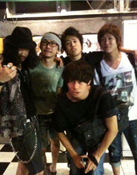 [Champagne]川上洋平・庄村聡康2010/7/1 さて置き、一昨日の夜はメンバーの怒号で眠れませんでした。そしてPVが上がりました。サトヤス