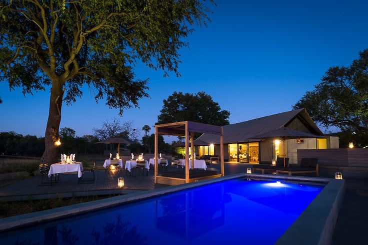 A small lap pool completes the decor of Linkwasha's main area...