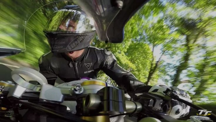 Guy Martin on-board the smiths racing Triumph 675 at the 2015 TT